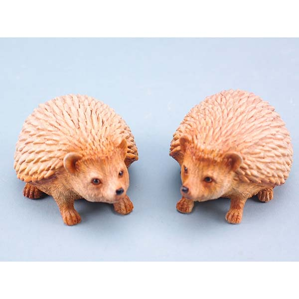 Wood Effect Hedgehogs - 8cm